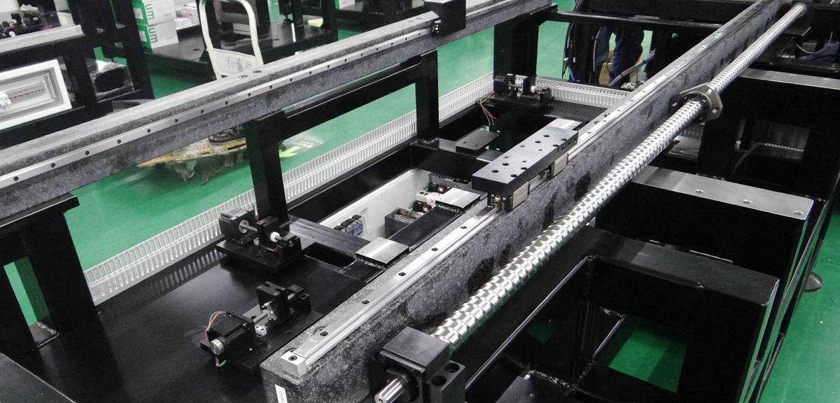 Granite structure and THK guild Rail of printing head transport